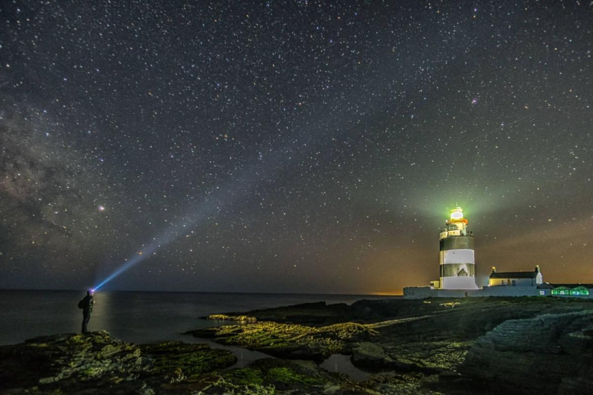 award won hook lighthouse photo by todor tilev